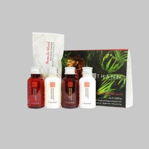 Aromatic Wood Дорожный набор средств по уходу за волосами и телом (5 миниатюр)