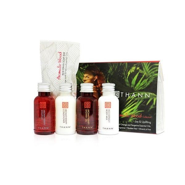 Aromatic Wood Дорожный набор средств по уходу за волосами и телом (5х30мл)